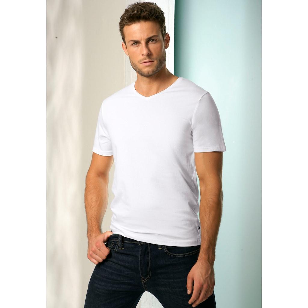 Bench. V-Shirt