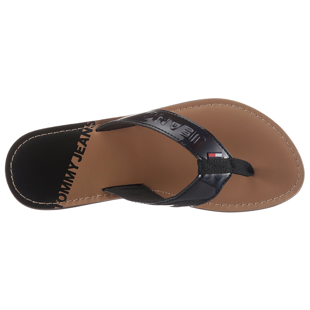Tommy Jeans Zehentrenner »IRIDESCENT BEACH SANDAL«, in glänzender Optik