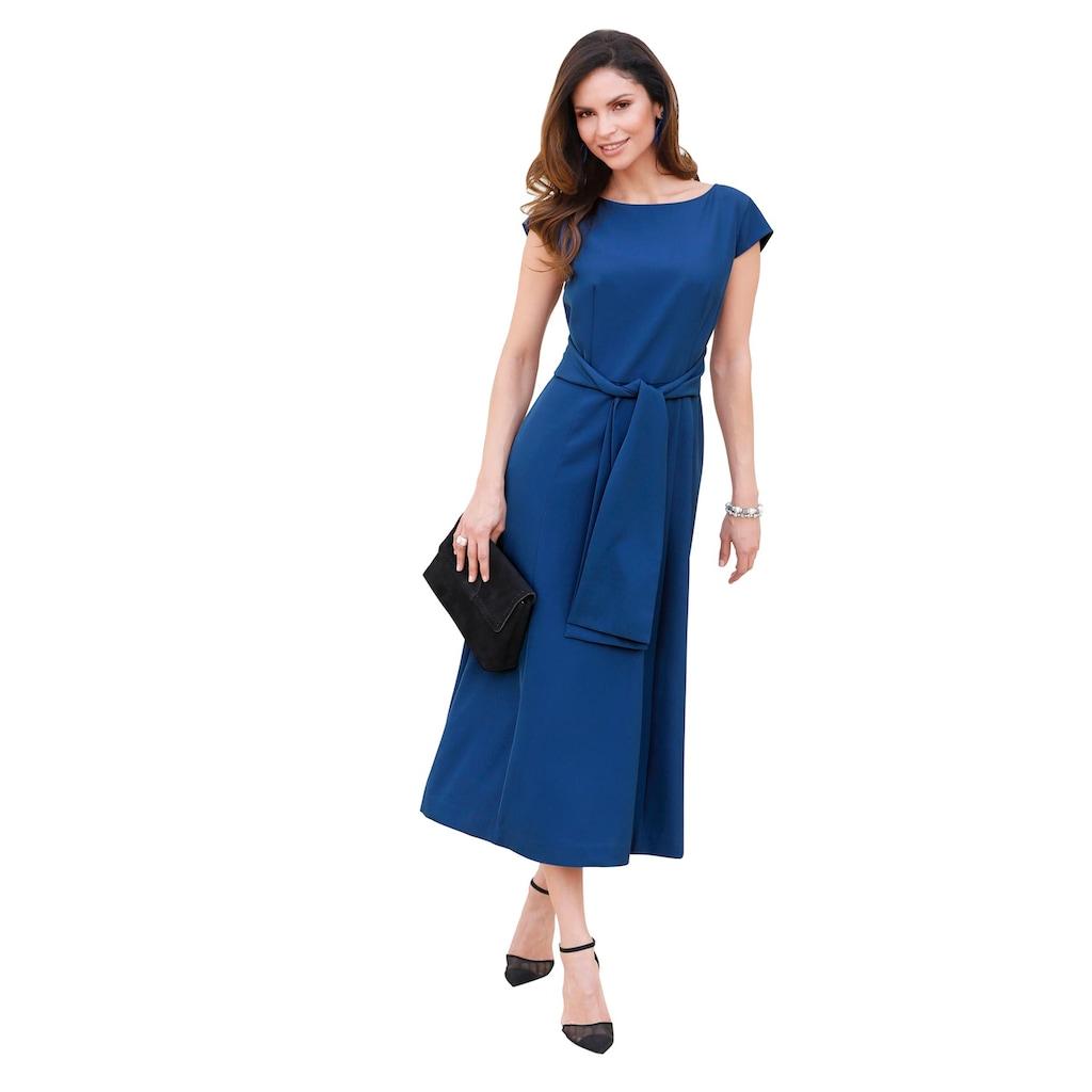 Lady Kleid, modisch weit schwingend