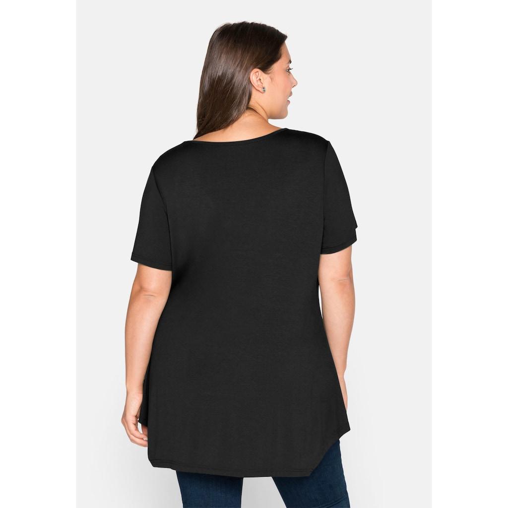 Sheego T-Shirt, mit Raffung am V-Ausschnitt, in Zipfelform