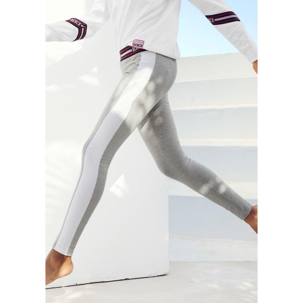 Bench. Leggings, mit Gummibund und breitem seitlichen Streifen
