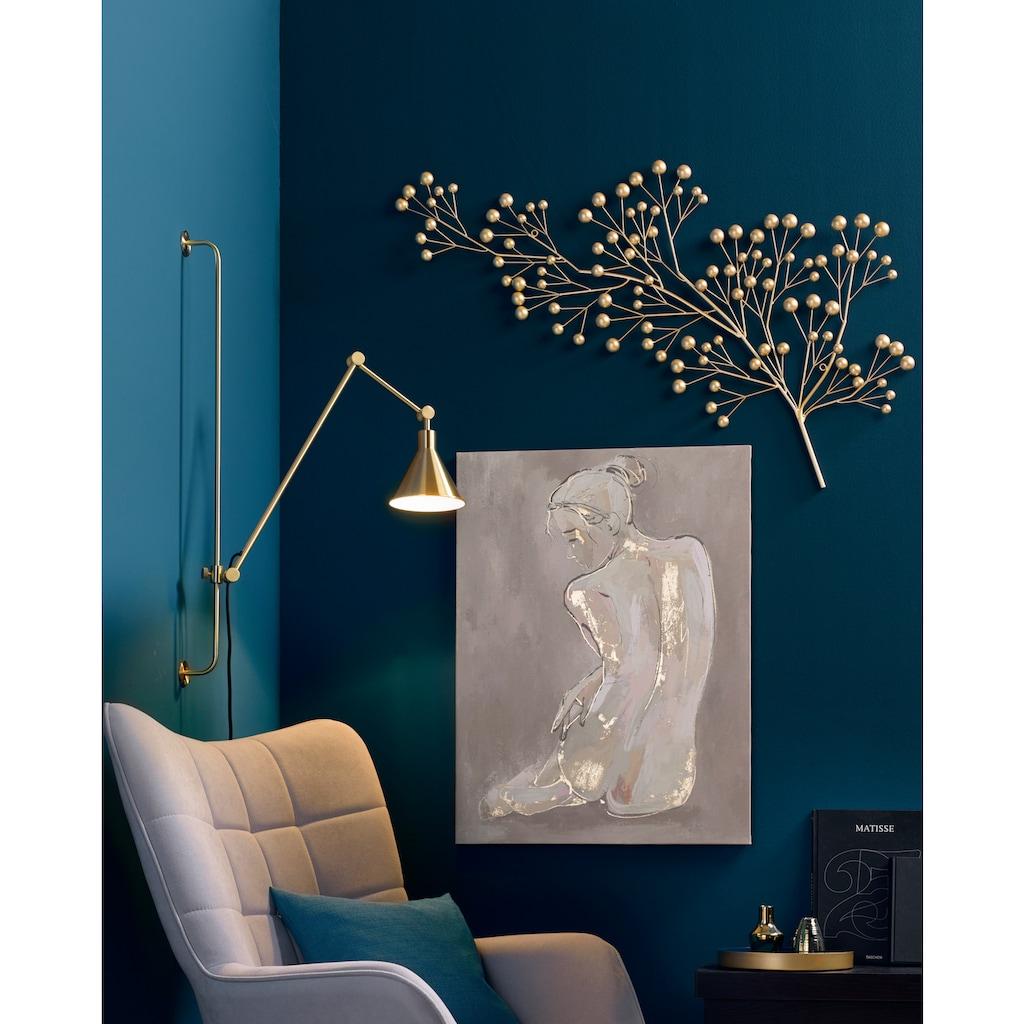Wanddeko dekorativer Ast mit Goldkugeln besetzt. Blaues Zimmer Ecke Dekoration