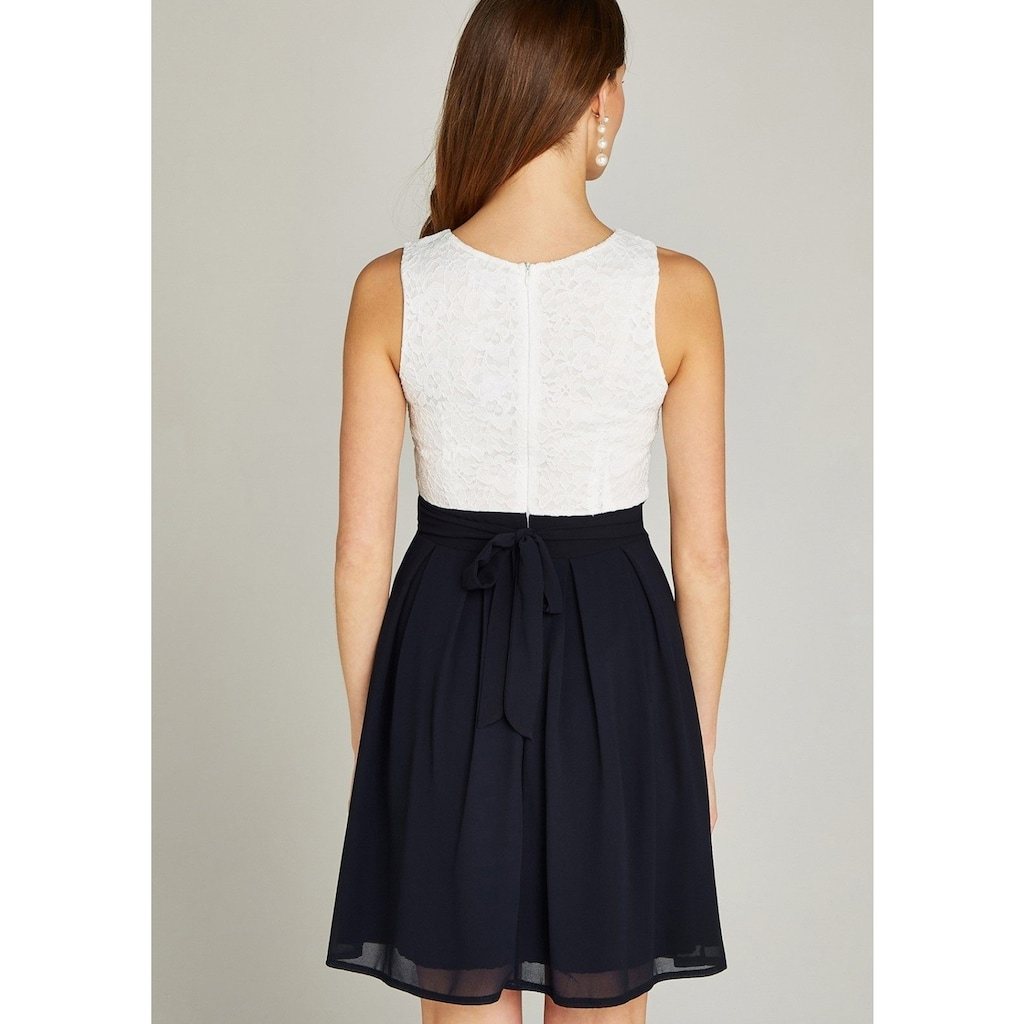 Apricot Partykleid »Lace Top Colour Block Skater Dress«, im Colour Block Dessin