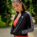 Kappa Trainingsjacke »AUTHENTIC GEILLIS«, mit hochwertigem Logowebband an den &Auml;rmeln<br />