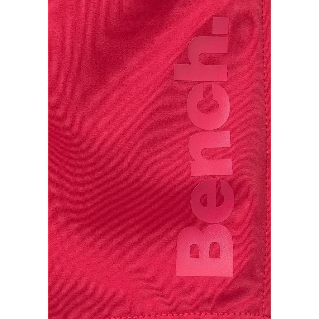 Bench. Boxer-Badehose, mit seitlichem Logoprint