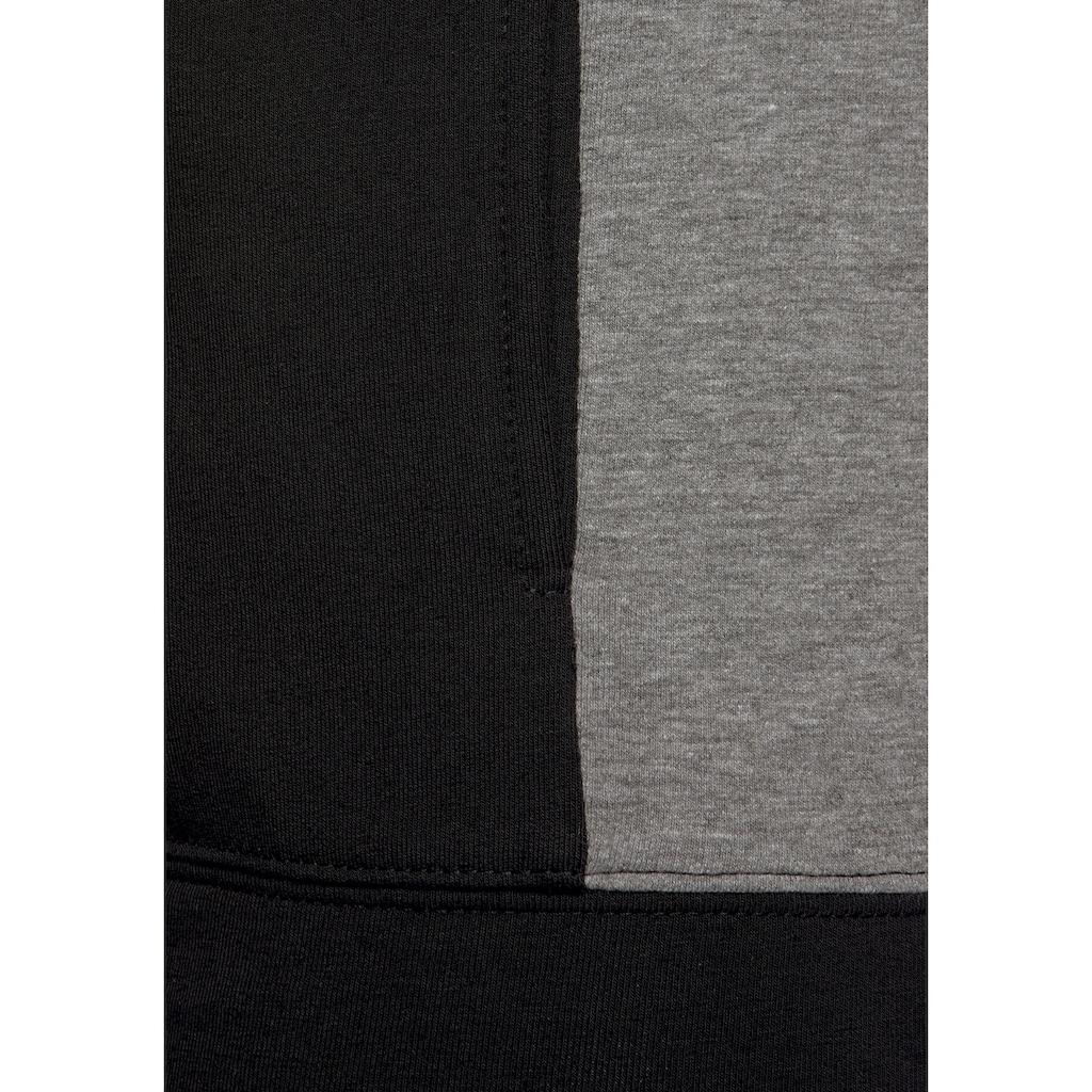 Bench. Kapuzensweatjacke, mit Streifendetails an den Ärmeln