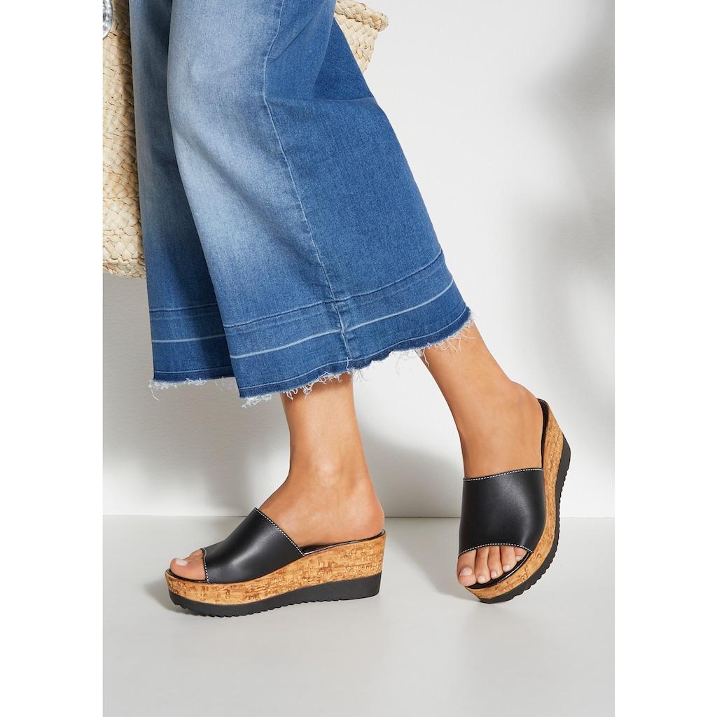 LASCANA Pantolette, aus Leder mit Keilabsatz
