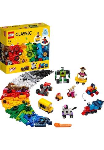 LEGO® Konstruktionsspielsteine »Steinebox mit Rädern (11014), LEGO® Classic«, (653... kaufen
