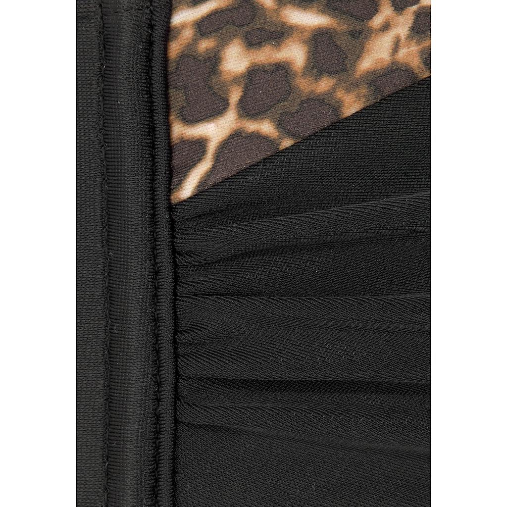 LASCANA Bügel-Bandeau-Bikini-Top »Adele«, mit trendigen Details