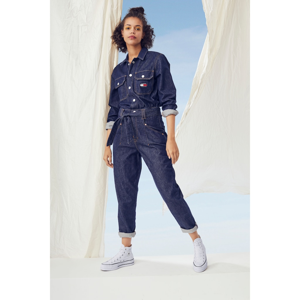 Tommy Jeans Overall »MOM JUMPSUIT UDBR«, mit Tommy Jeans Logo-Badge