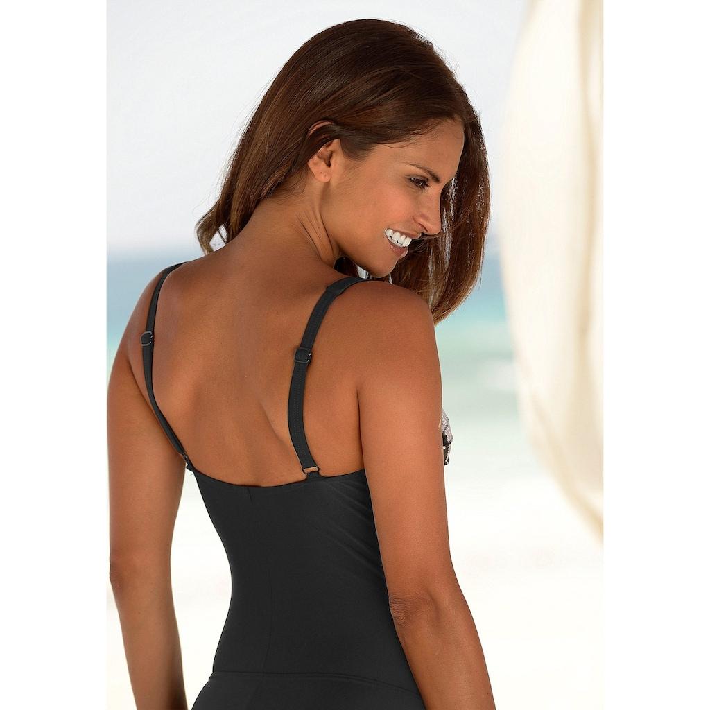 LASCANA Badeanzug, im modischen Floralprint mit Shaping-Effekt