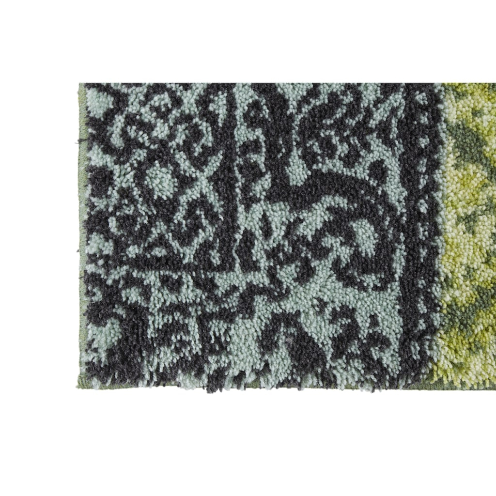 Badgarnitur mit elegantem Muster