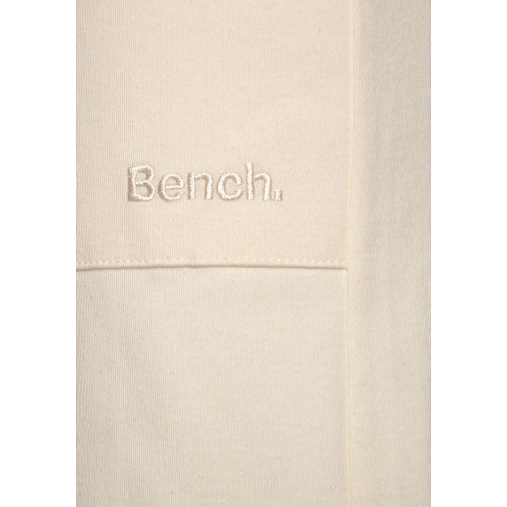 Bench. Bermudas, mit Kordel und Eingrifftaschen