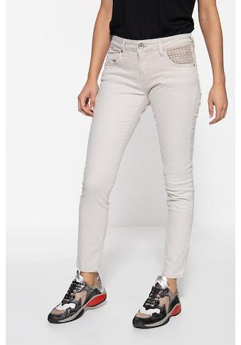 ATT Jeans Slim-fit-Jeans »Leoni«, mit Lochstickerei am Tascheneingriff kaufen