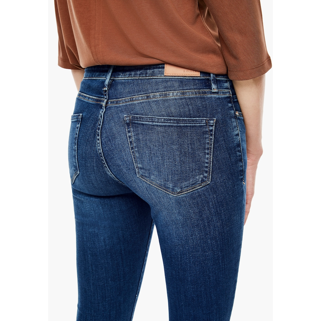 s.Oliver Bootcut-Jeans »Betsy«, in cooler, authentischer Waschung