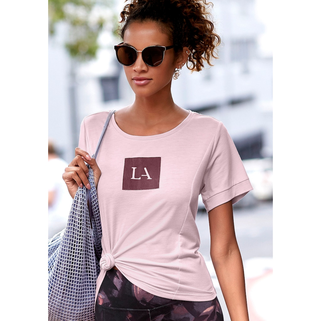 LASCANA ACTIVE T-Shirt, mit Teilungsnähten und Logodruck