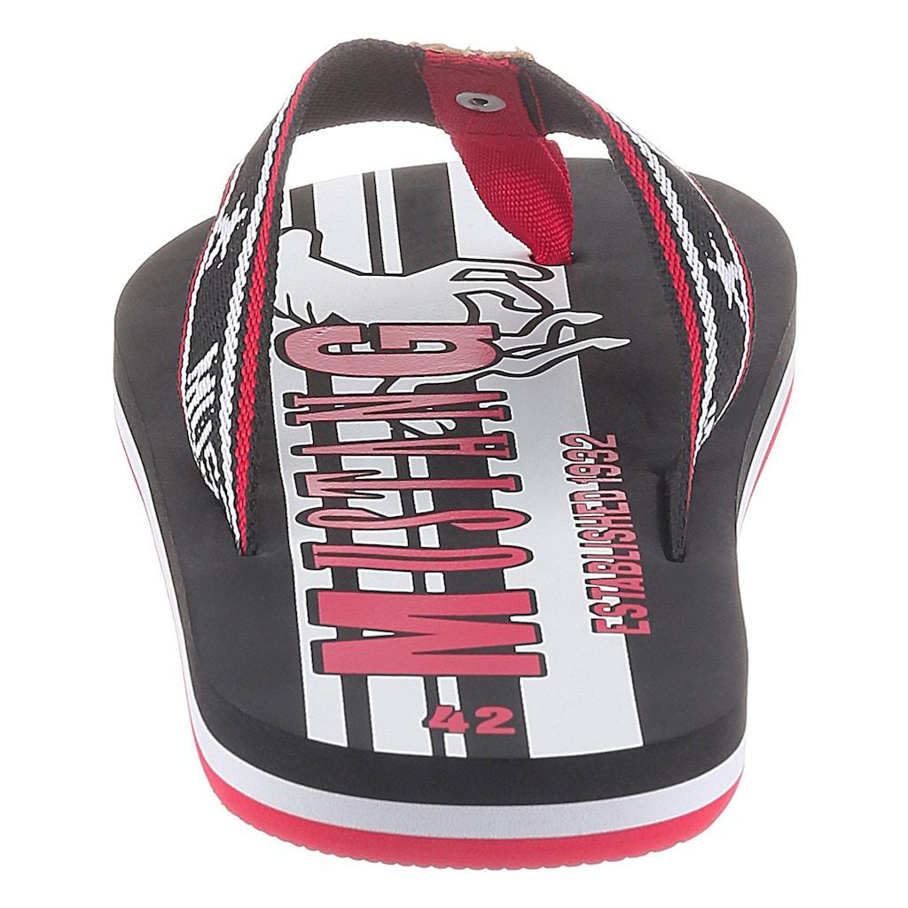 Mustang Shoes Zehentrenner, mit auffälligen Logoschriftzügen