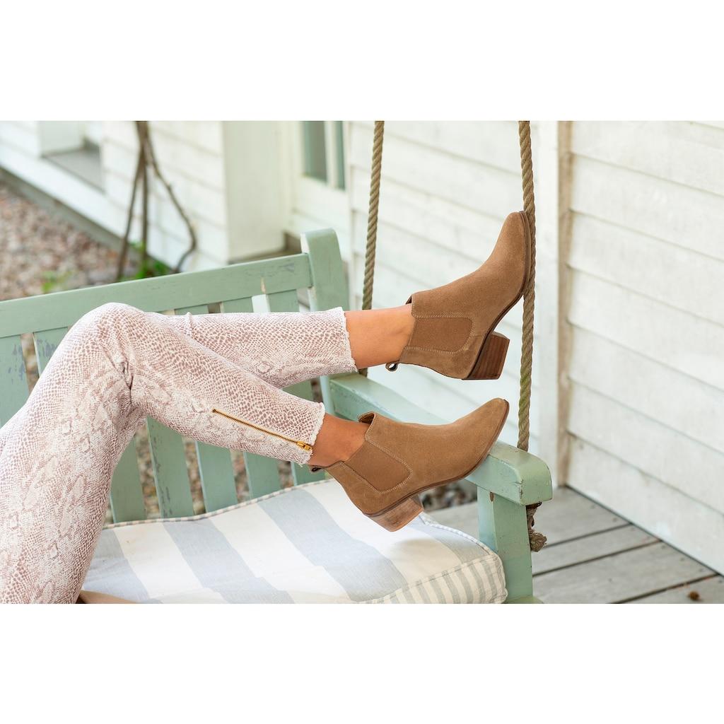 LASCANA Stiefelette, aus Veloursleder Chelsea Boots im modischen Cowboy-Look