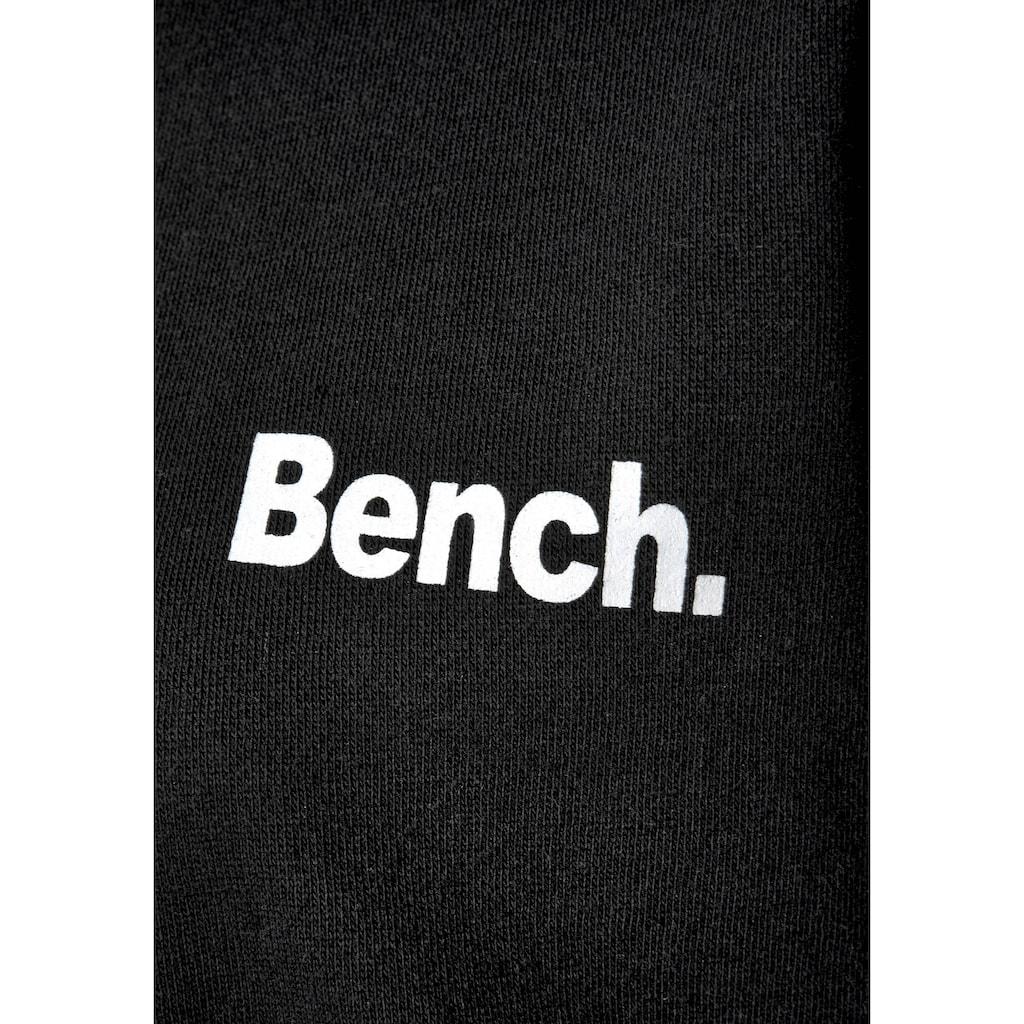 Bench. Kapuzensweatshirt, in kurzer Form