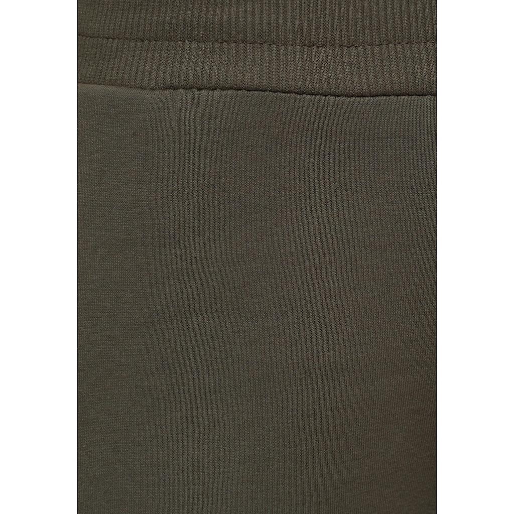 Bench. Relax-Caprihose, mit breiten weichen Ribbündchen