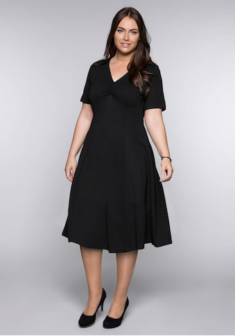 Sheego Cocktailkleid, in A-Linie mit V-Ausschnitt kaufen