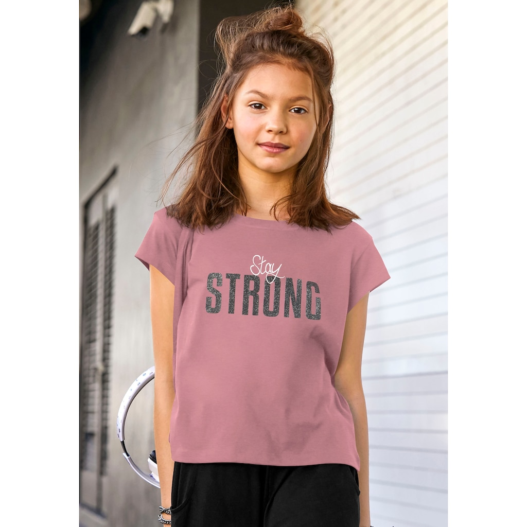 KIDSWORLD T-Shirt »STAY STRONG«, in kurzer Form