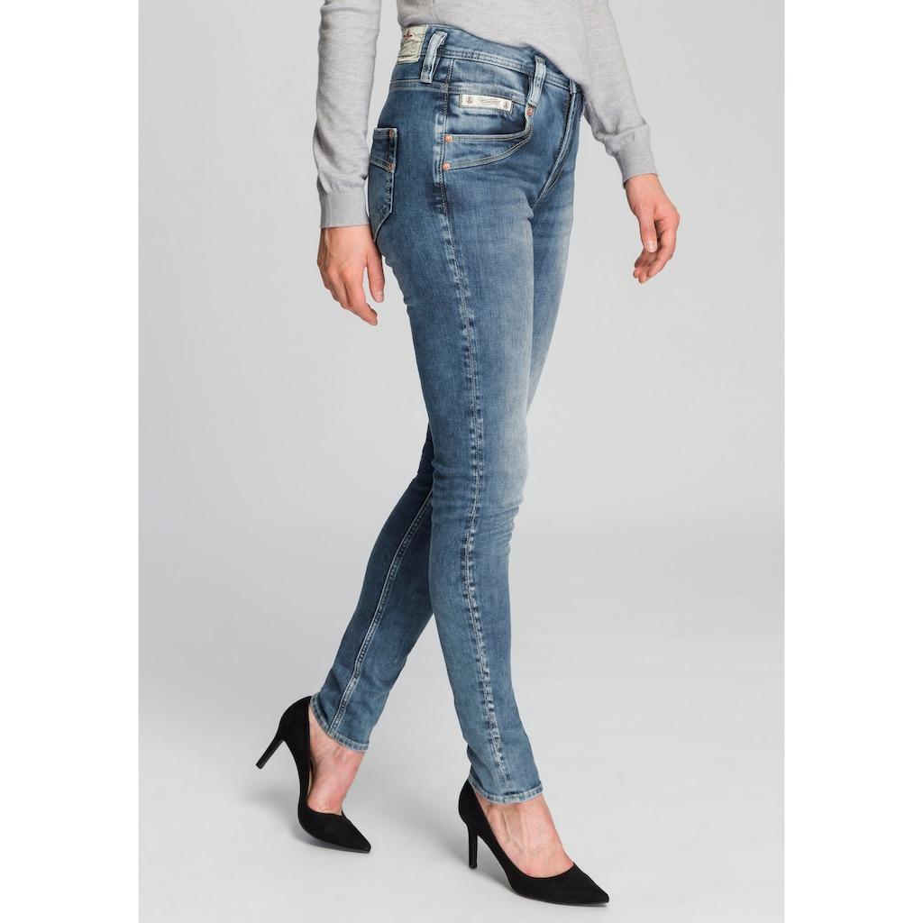 Herrlicher Slim-fit-Jeans »RADINA«, Maximale Shaping-Wirkung durch besondere Schnittform
