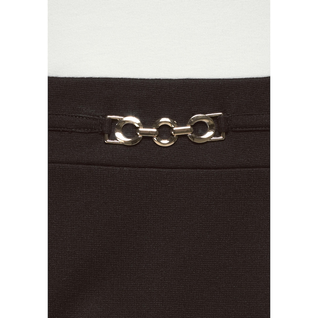 Aniston SELECTED Jerseykleid, mit goldfarbenen Accessoire