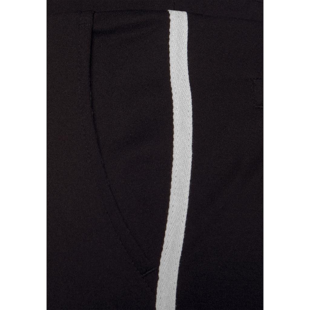 Bench. Jogger Pants, mit sportlichen Seitenstreifen