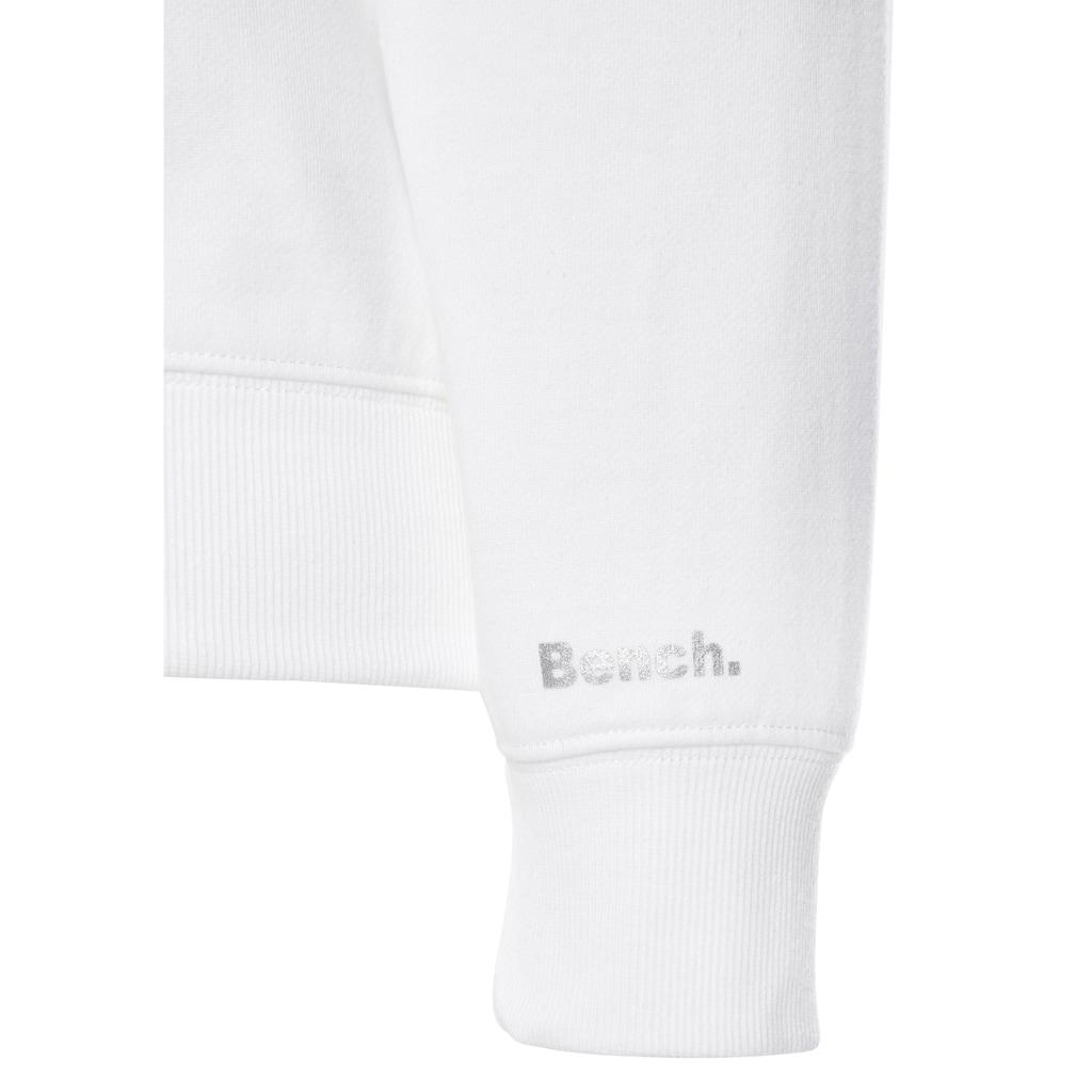Bench. Kapuzensweatshirt, mit glänzendem Leodruck