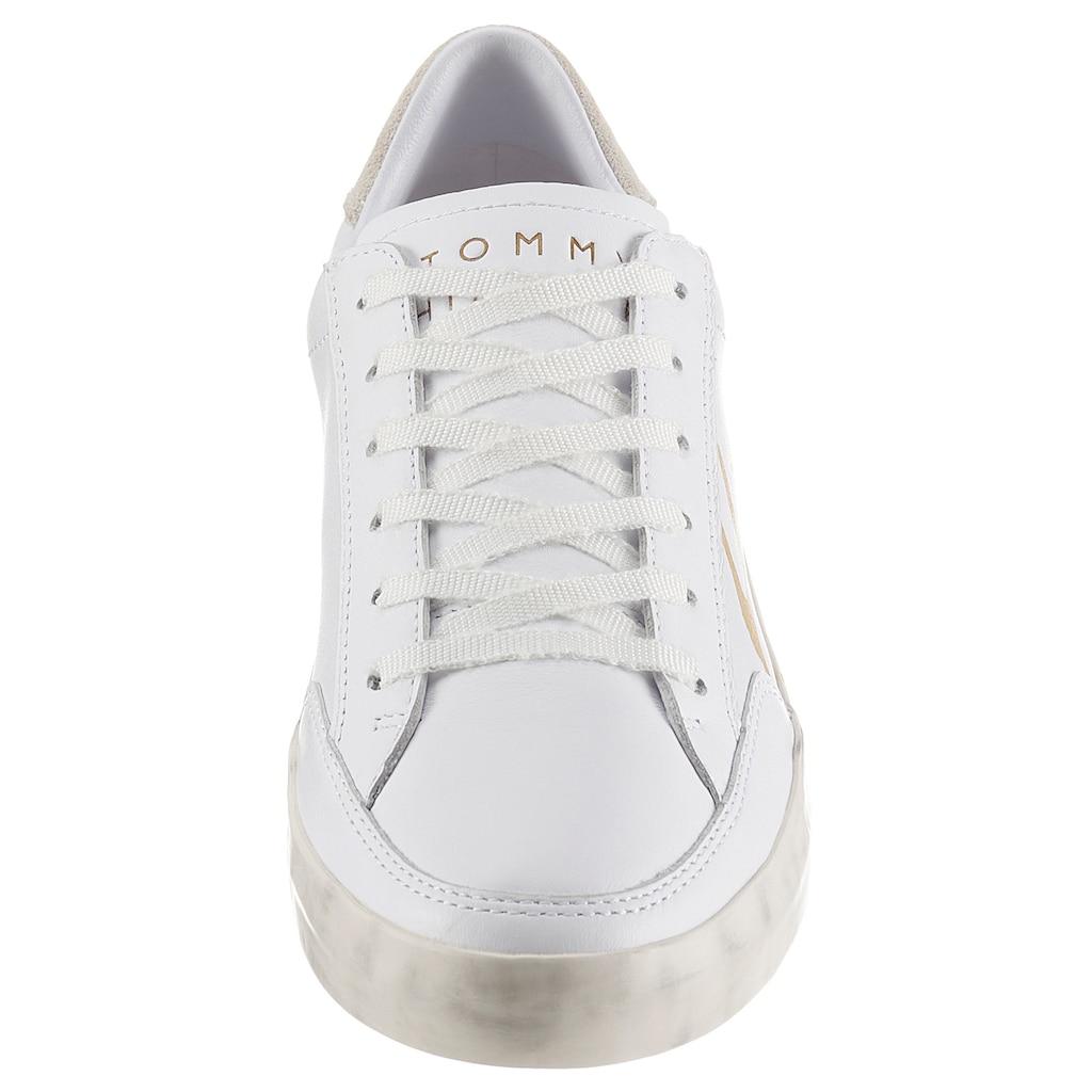 TOMMY HILFIGER Sneaker »TH SIGNATURE LEATHER SNEAKER«, mit farbiem Schriftzug
