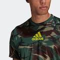 adidas Performance T-Shirt »ADIDAS DESIGNED TO MOVE AEROREADY CAMOUFLAGE GRAPHIC«
