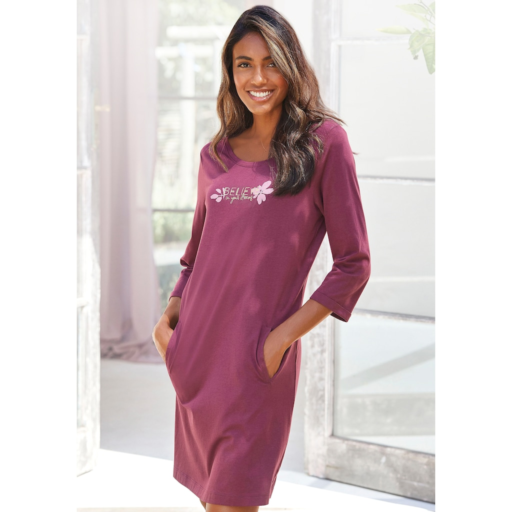 LASCANA Sleepshirt, mit 3/4-Ärmeln und kleinem Frontprint