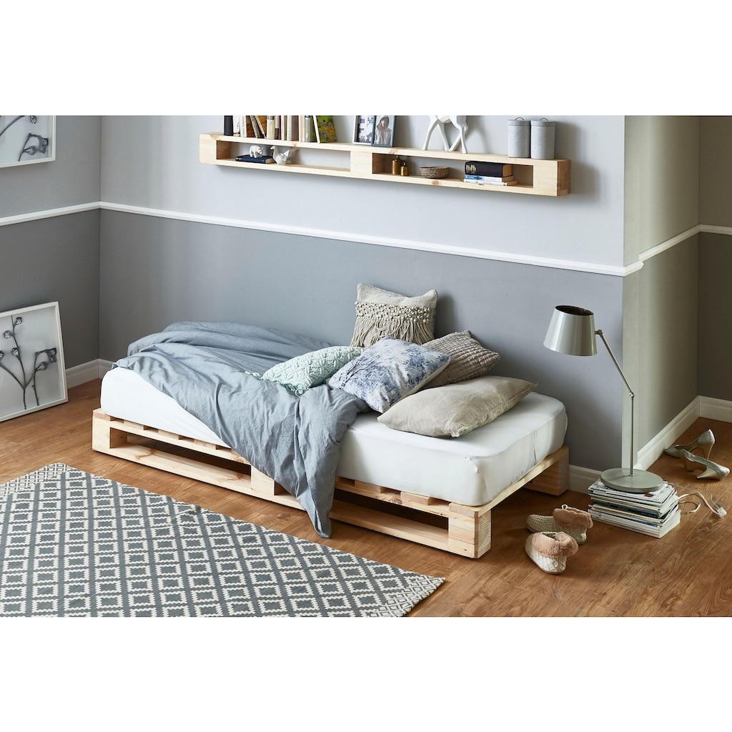 ATLANTIC home collection Palettenbett, aus massiver Fichte, wahlweise mit Matratze