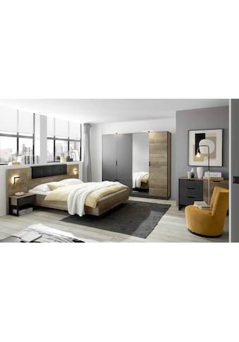 Places of Style Schlafzimmer-Set »Malthe«, (Set, 5 tlg., 2 Nachtkonsolen inkl. Beleuchtung. Bett mit Liegefläche 140x200 cm. Kleiderschrank mit 4 Türen (teilverspiegelt) und 2 Schubladen. Kommode mit 1 Tür und 4 Schubladen.), im trendigen Design kaufen