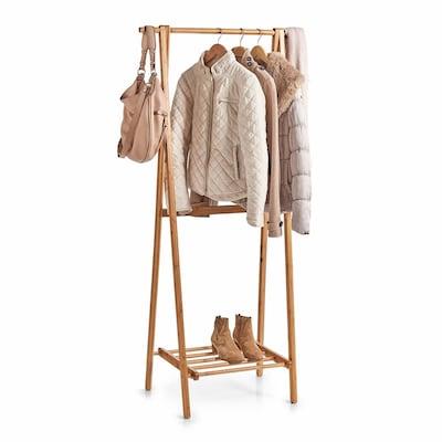Kleiderständer aus Holz