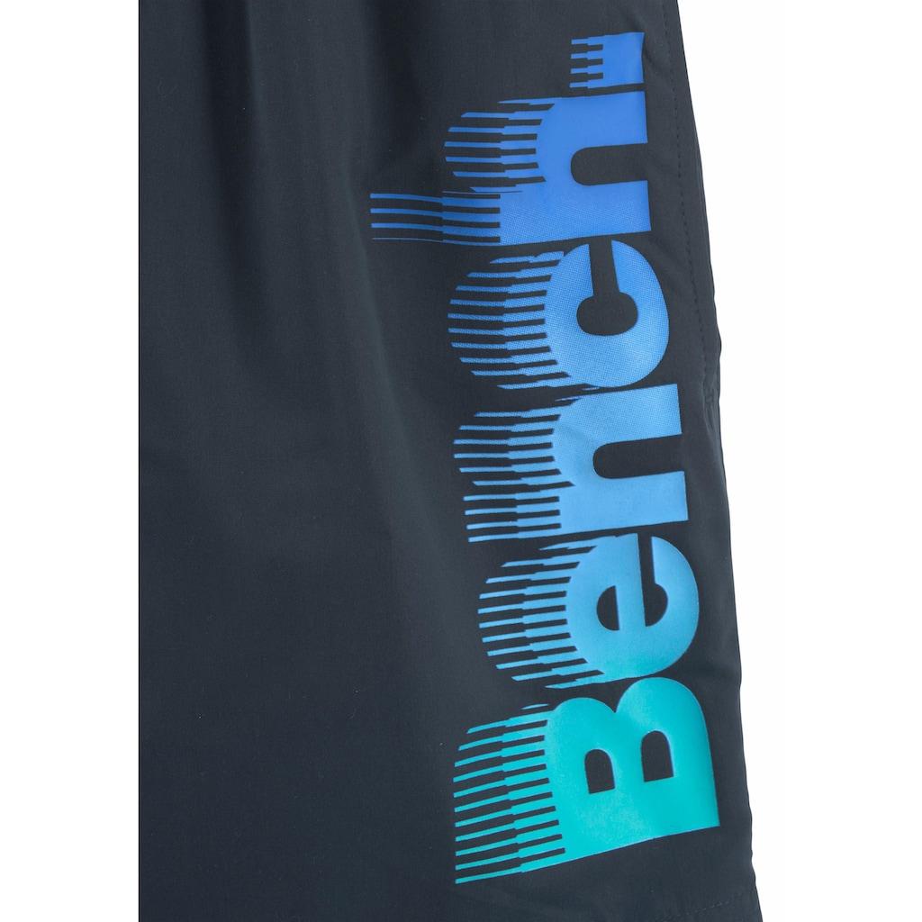 Bench. Badeshorts, mit großem Logo-Aufdruck