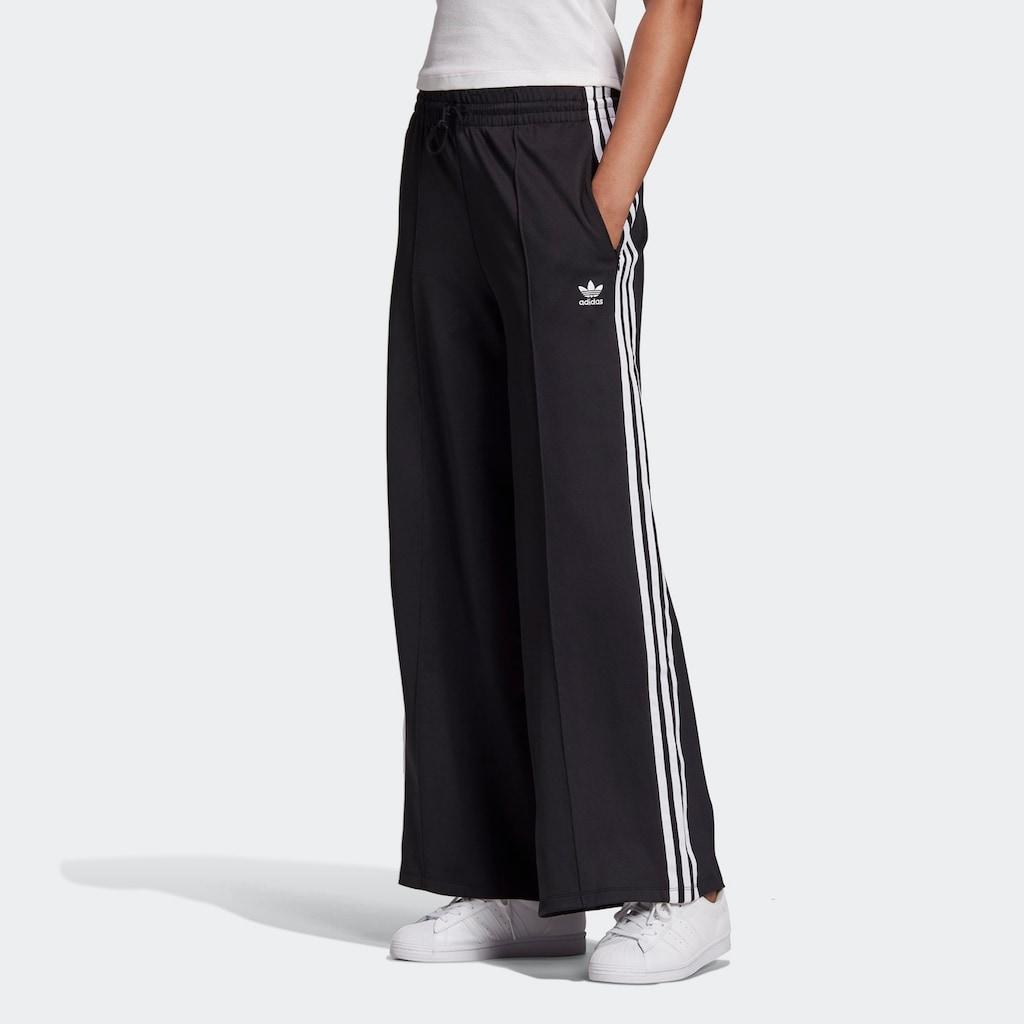 adidas Originals Trainingshose »PRIMEBLUE RELAXED WIDE LEG«