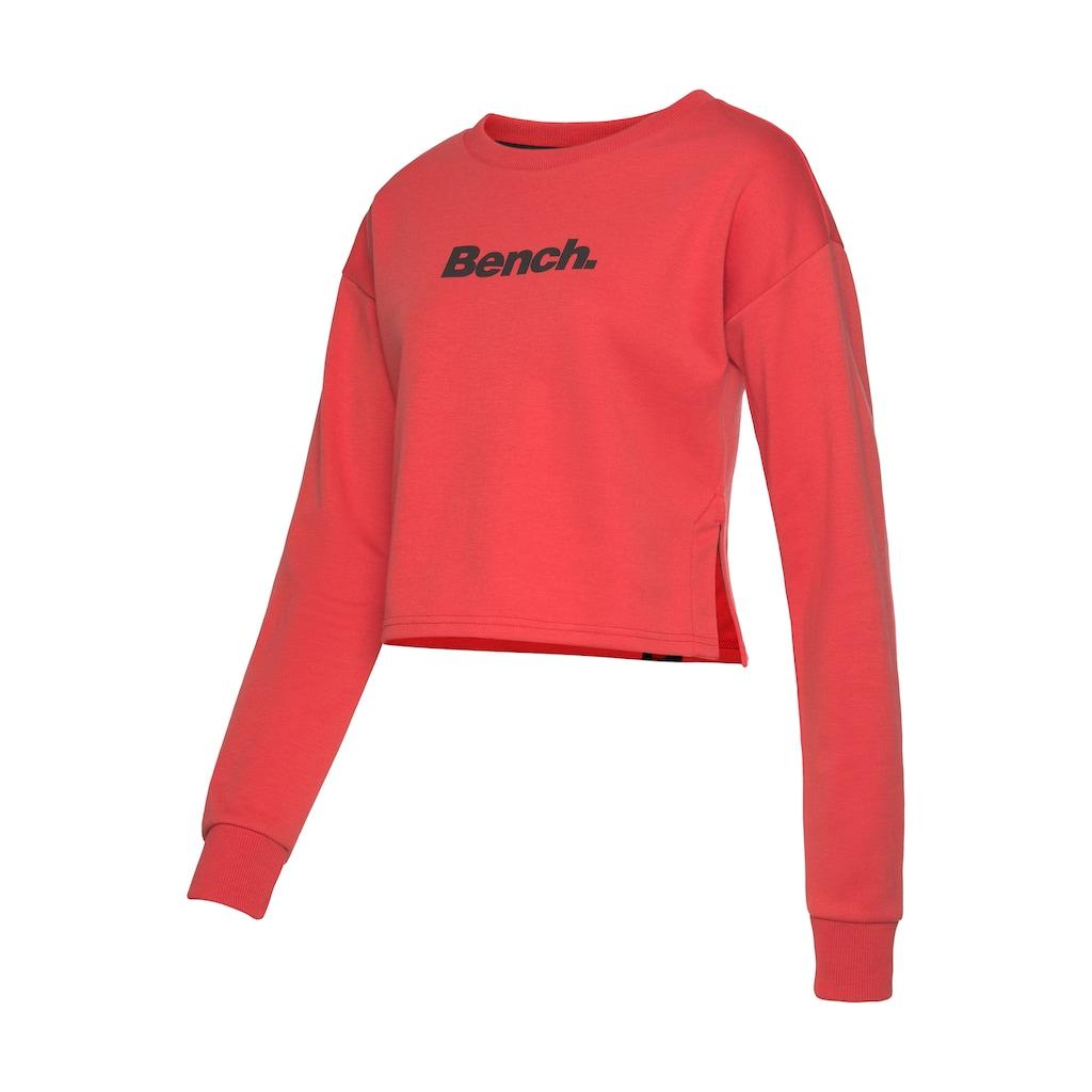 Bench. Sweater, kurz geschnitten mit seitlichen Schlitzen