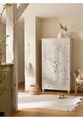 Home affaire Stauraumschrank »Fenris«, aus massiven, pflegeleichten Mangoholz, mit dekorativen Schnitzereien, Höhe 180 cm kaufen