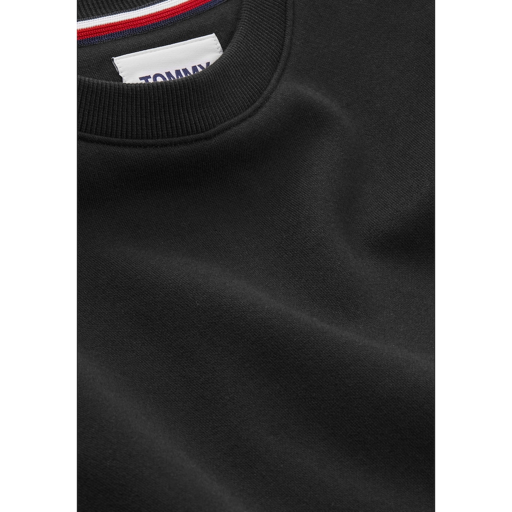 TOMMY JEANS Sweatshirt »TJW REGULAR FLEECE C NECK«, mitTommy Jeans Logo-Flag auf der Brust