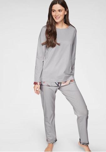 Triumph Pyjama, in Lagen-Optik mit gemusterten Details kaufen